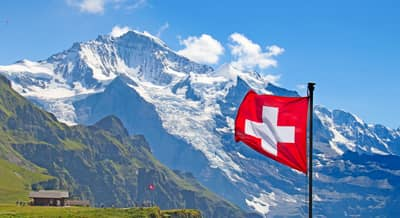 photo-drapeau-suisse-travailler-en-suisse